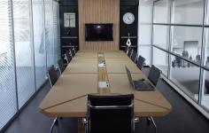 Fortune 350´lik Derili Toplantı Masası
